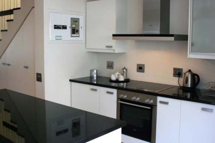 1563_1503492692-1144448937_DWKV-classic-2bed-kitchen1[1].jpg